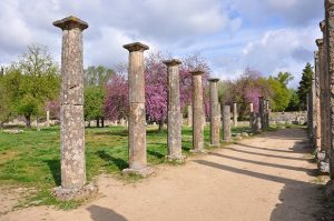 how to get to ancient olympia from katakolon