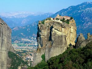 meteora_at_central_greece300
